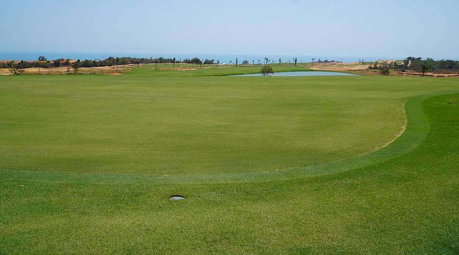 Cận cảnh sân golf thử thách PGA chuẩn Mỹ sắp được khai trương