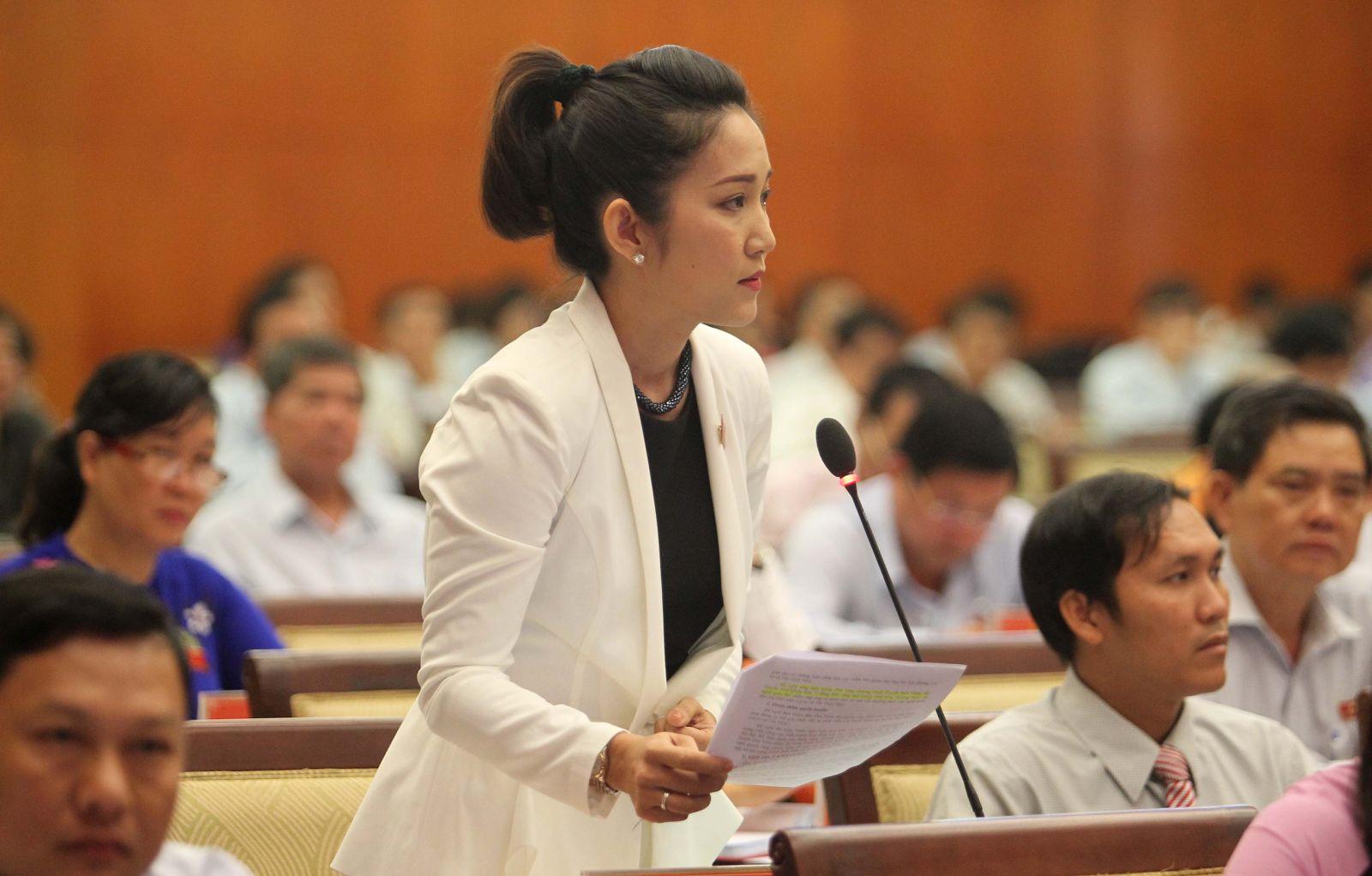ĐB Nguyễn Thị Thanh Thúy chất vấn về Quyết định 33