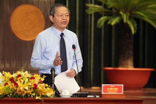 Phó Chủ tịch UBND TP Lê Văn Khoa trả lời chất vấn ĐB