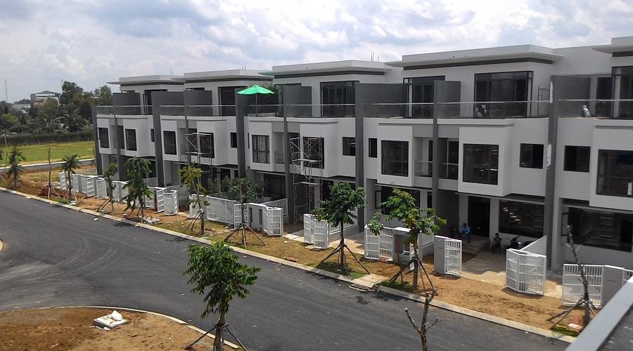 Nhà phố, biệt thự xây sẵn cách trung tâm Sài Gòn 10 - 15km vẫn tiêu thụ mạnh