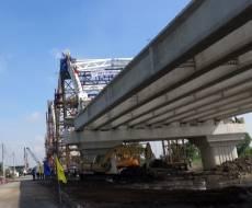 Hợp long cầu Rạch Chiếc trên đường Vành Đai Đông TP HCM